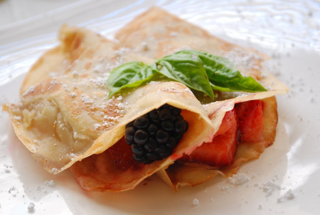 vegan-berry-crepes